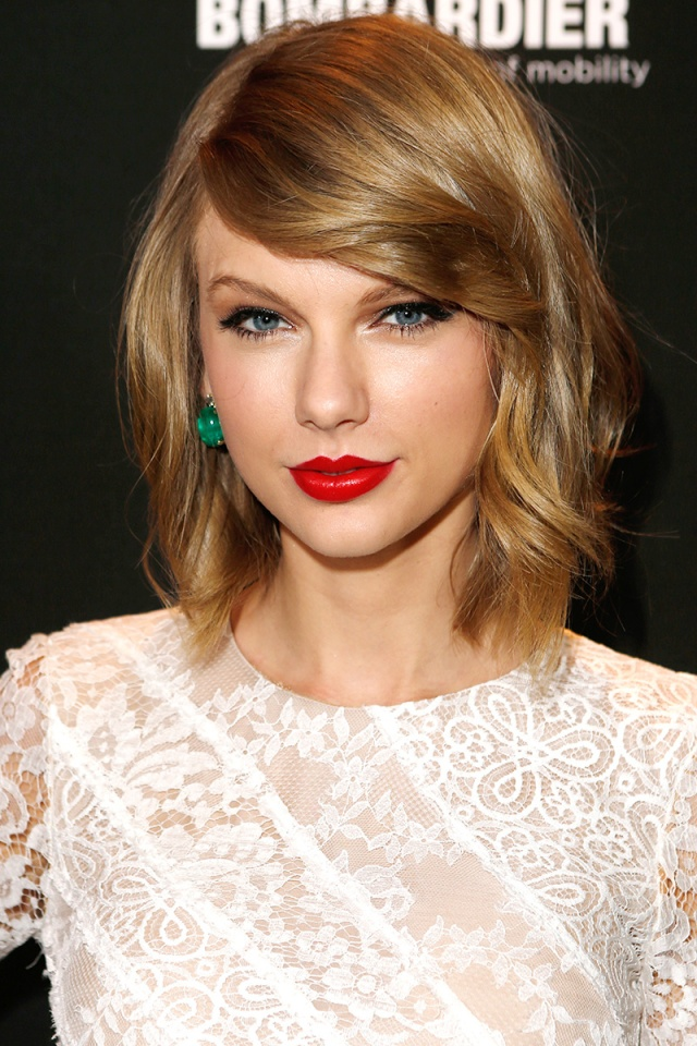 elle-beauty-taylor-swift-v