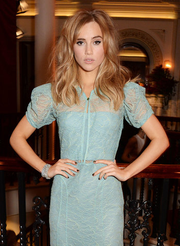 60s-beauty-suki-waterhouse